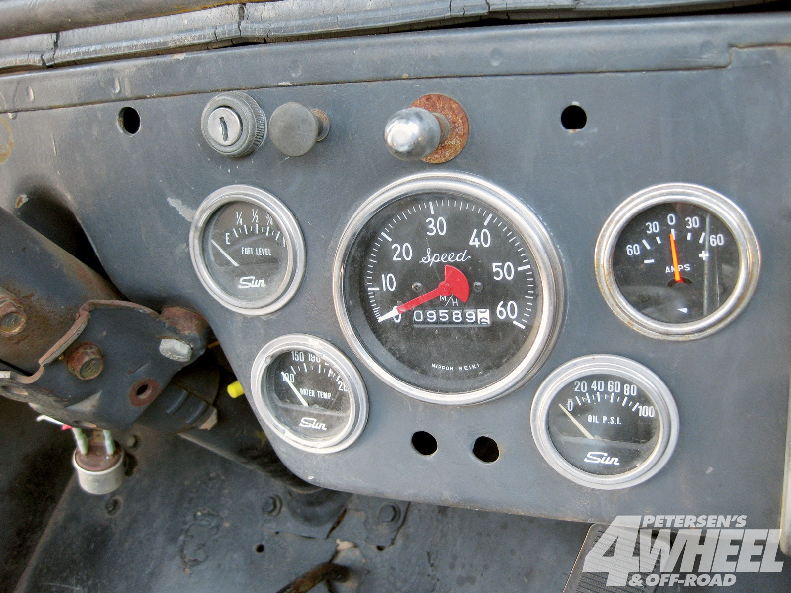 131 1005 03+1948 cj2a gas tank upgrade+sun electrical gauges