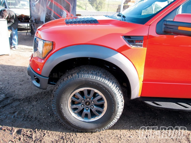 0908or 03 z+ford raptor svt+fiberglass fenders