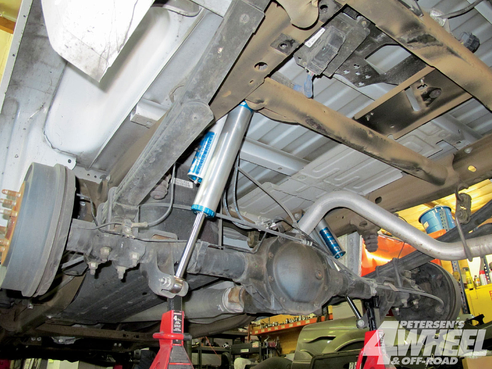 131 1006 06+2001 chevy silverado suspension system+rear suspension