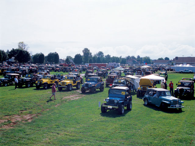154 0501 01 z+all breeds jeep show+fairgrounds
