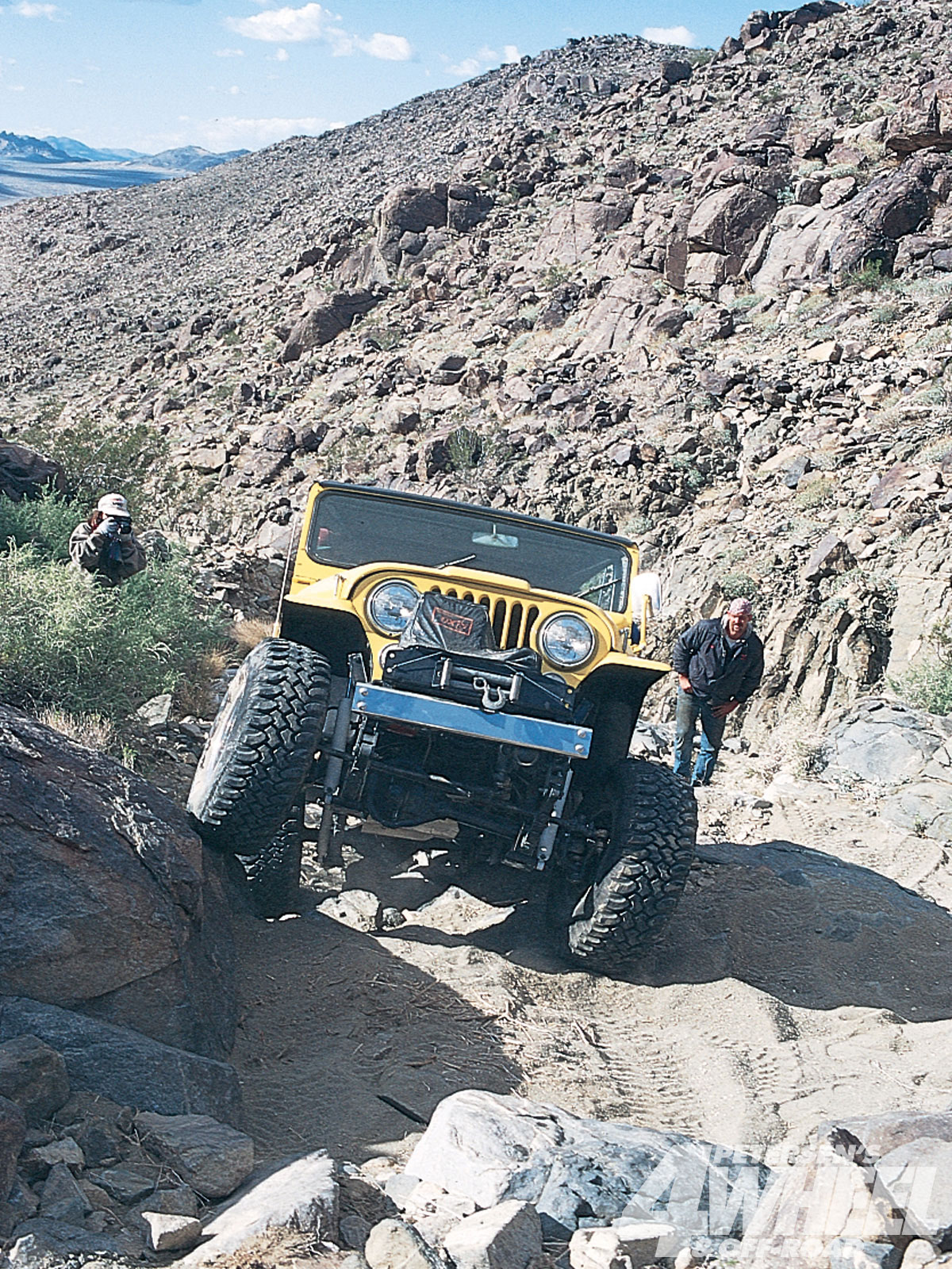 131 9802 02 o+131 9802 fun in the desert+yellow jeep cj front