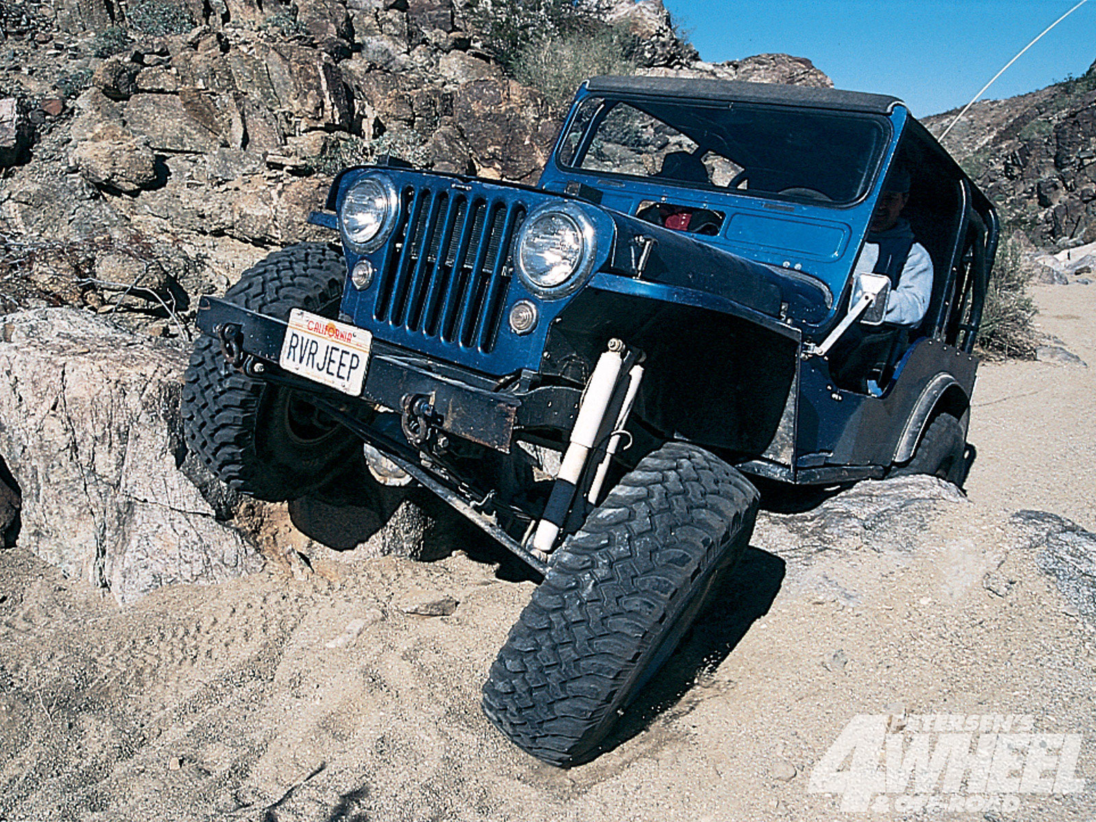 131 9802 06 o+131 9802 fun in the desert+jeep flatfender front rock shot