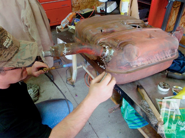 154 0909 05 z+easter jeep safari jeepster project+gas tank