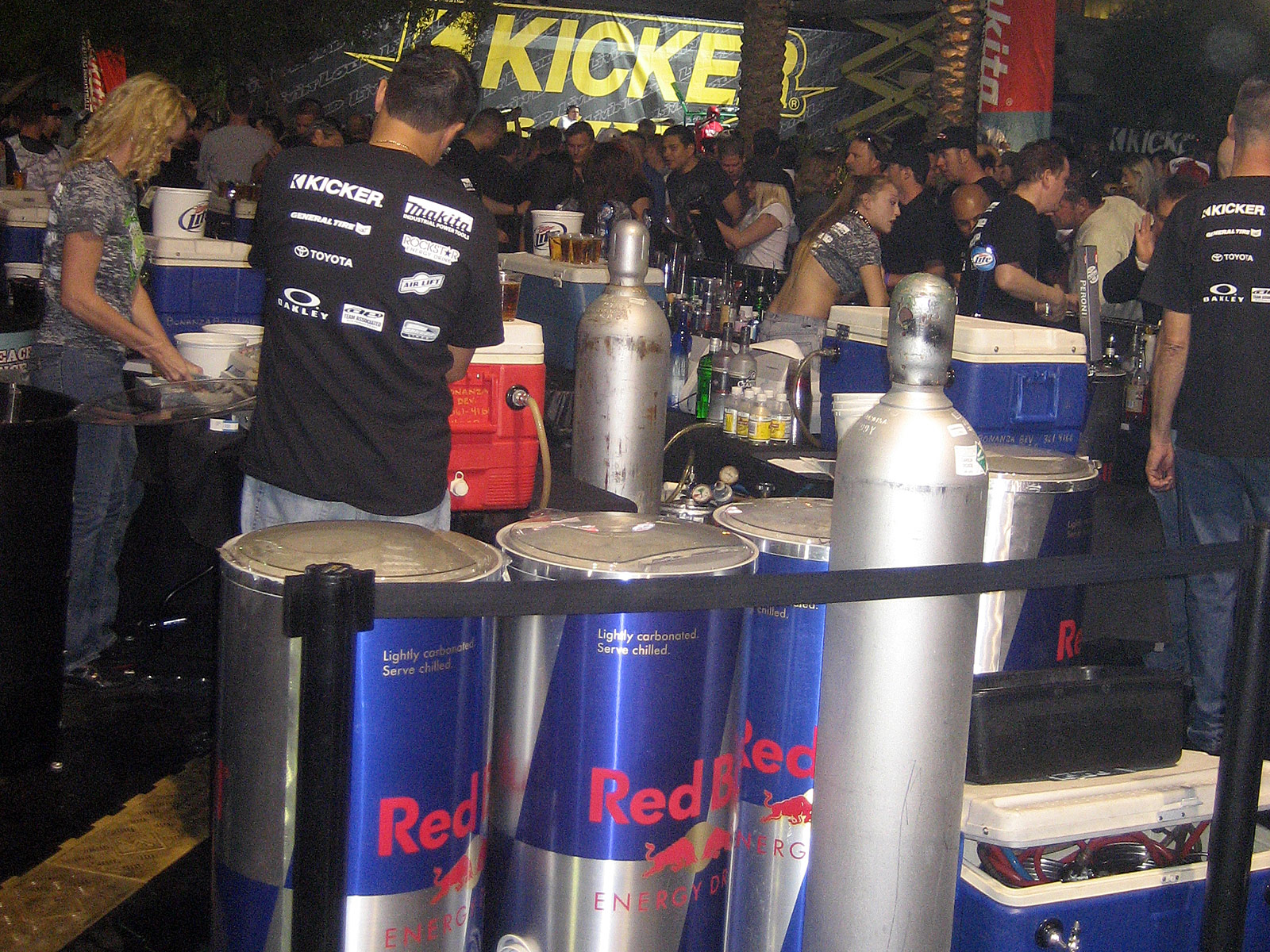 122210or 1284+2010 kicker big air bash+sema show