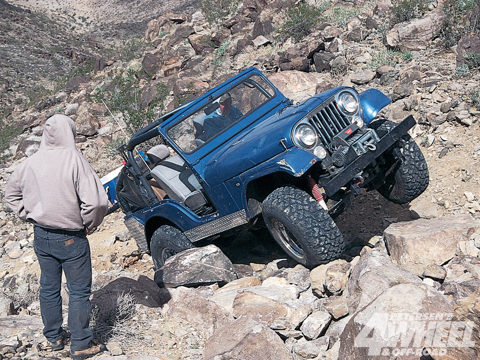 131 9802 13 o+131 9802 fun in the desert+jeep cj blue side shot
