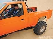 Off Road Nissan Hardbody - Jumping Trucks - Prerunner - Off-Road