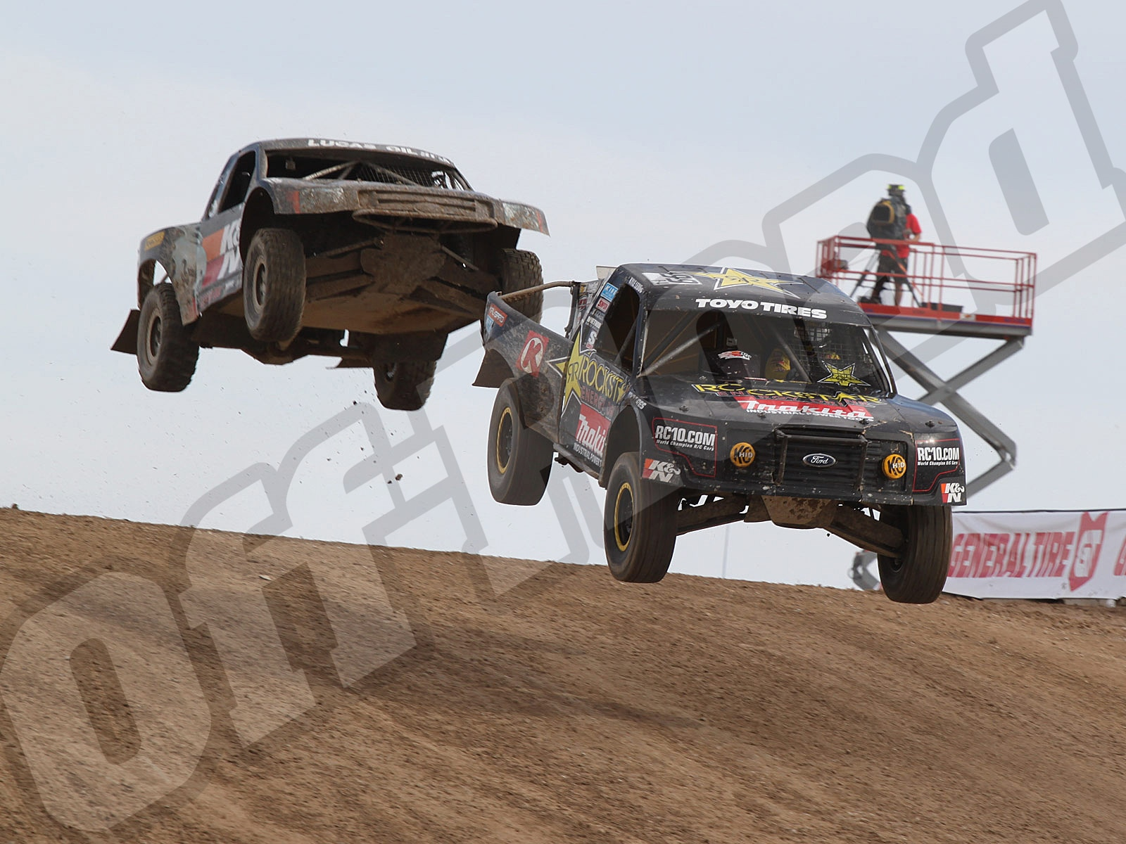 111010or 8642+lucas oil off road racing series+pro 4