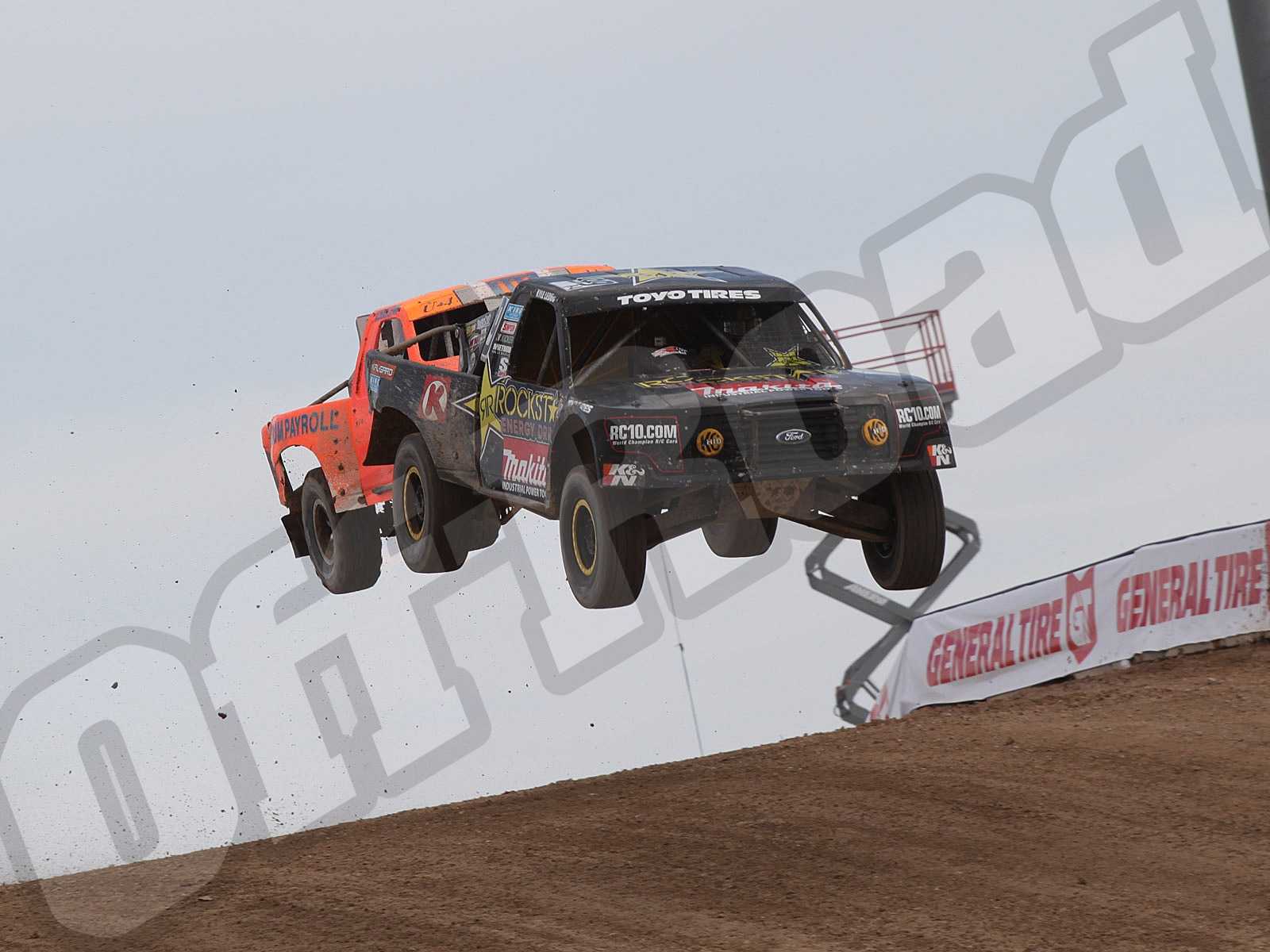 111010or 8693+lucas oil off road racing series+pro 4
