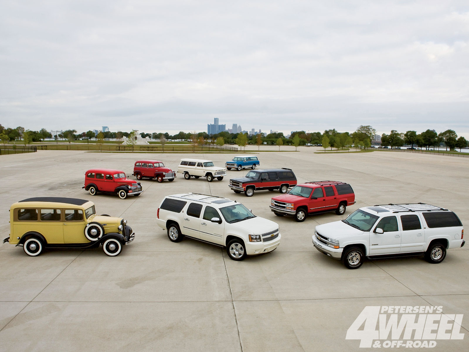 131 1101 Chevy Suburban The Legend 75 Year Of Suburbans model Line Up Photo 35027871