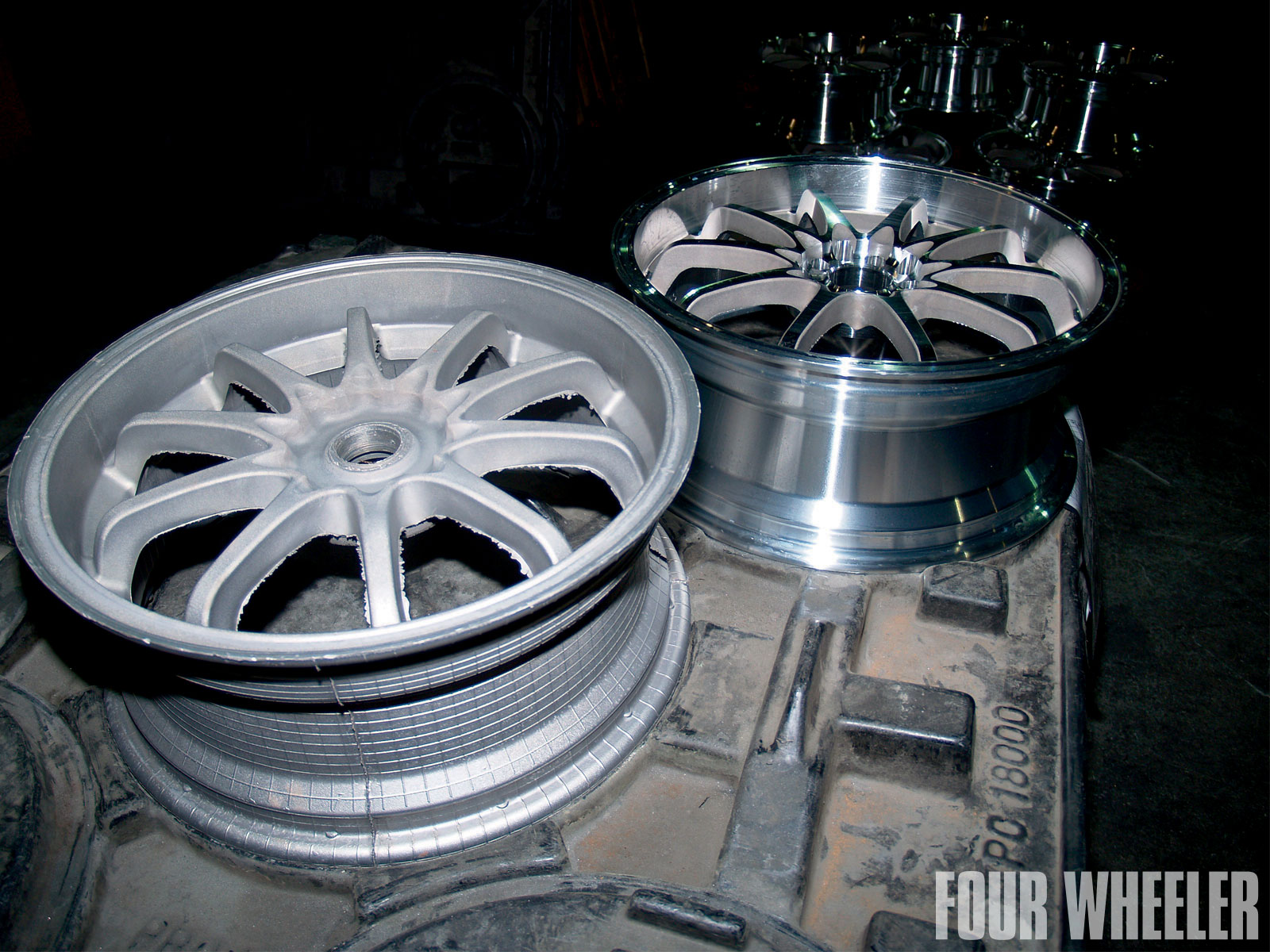 129 1102 11 o+129 1102 how they build it aluminum wheels+raw casted and machined wheel