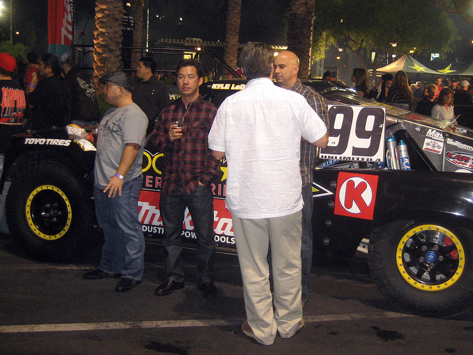 122210or 1283+2010 kicker big air bash+sema show