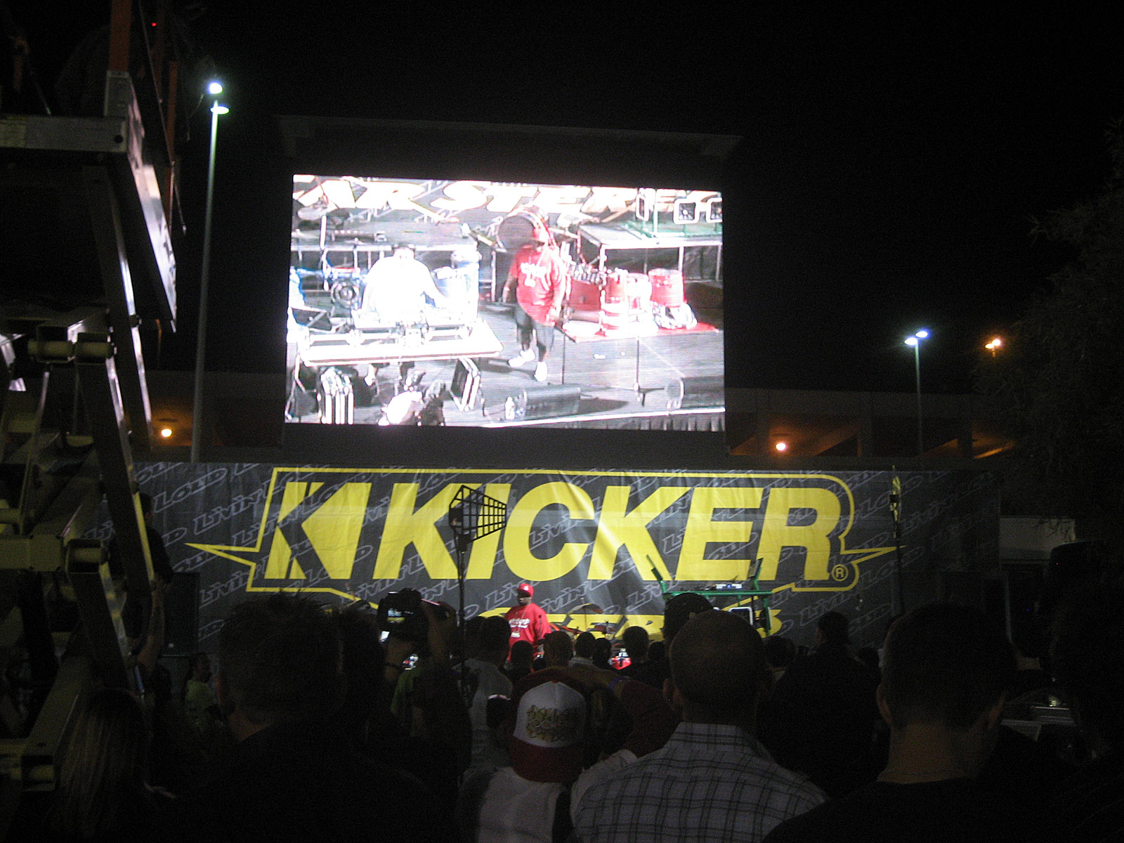 122210or 1281+2010 kicker big air bash+sema show