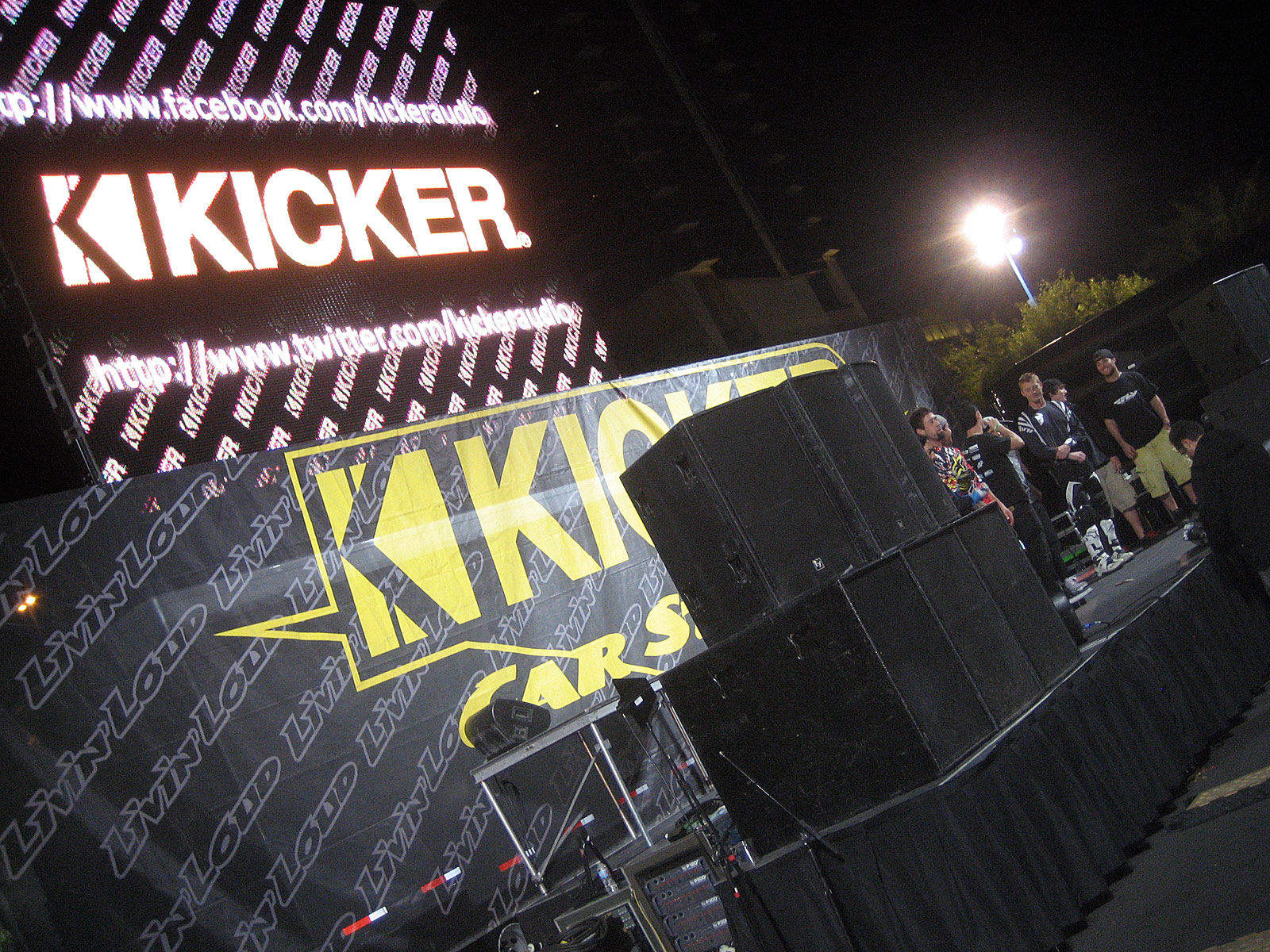 122210or 1322+2010 kicker big air bash+sema show