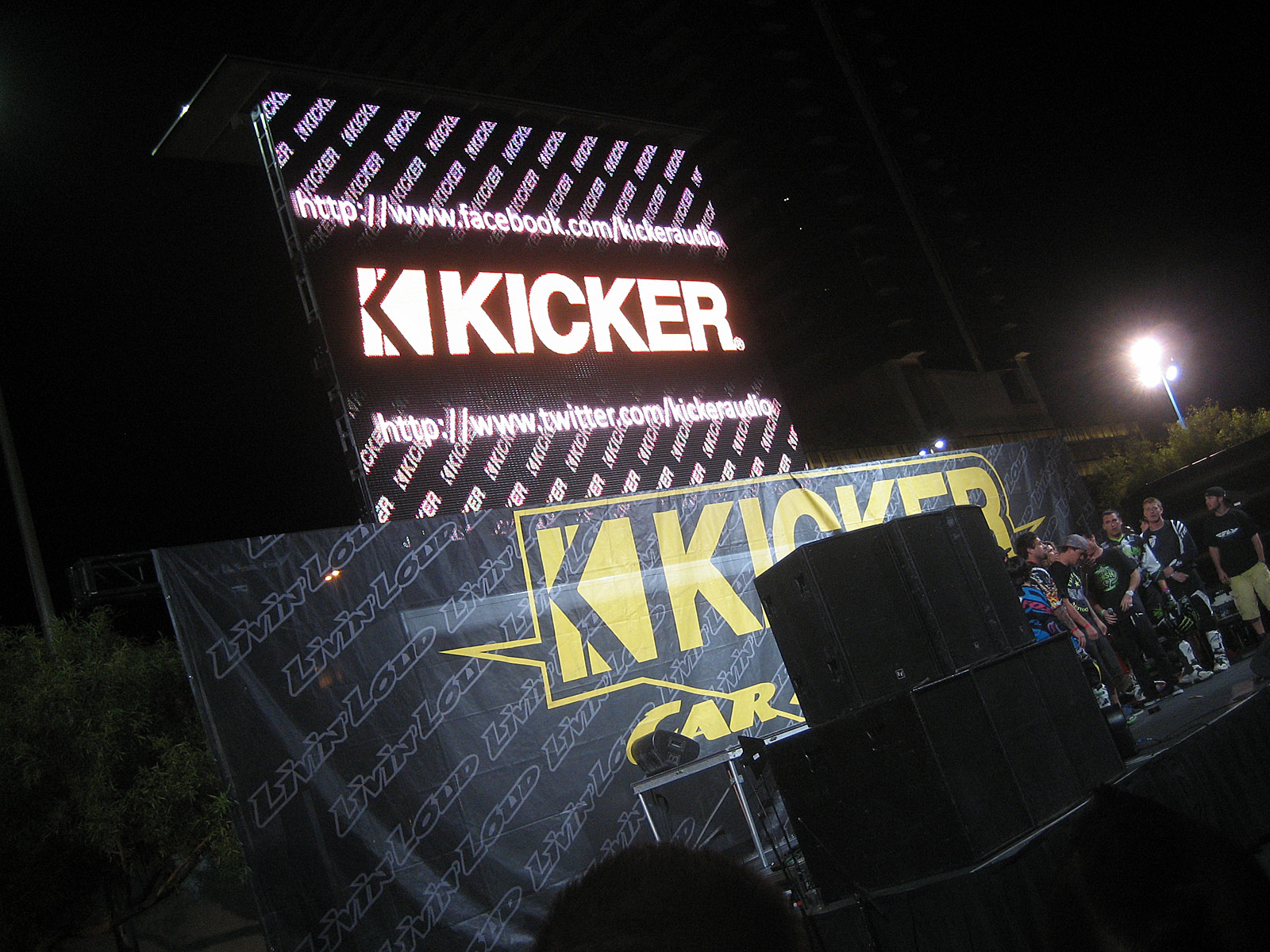 122210or 1320+2010 kicker big air bash+sema show