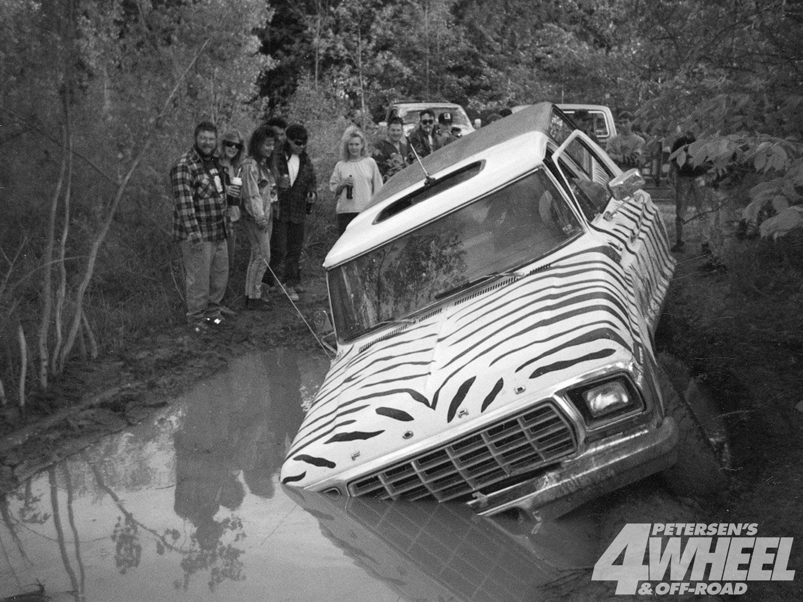 131 9401 01+january 1994 tailgate+zebra ford bronco stuck in water