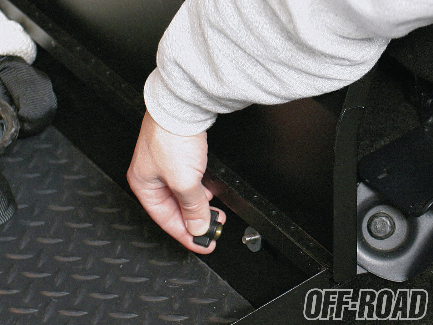 1206or 03+underseat security for your raptor tuffy under seat lockbox+lockbox placed in vehicle
