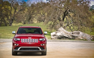 2014 Jeep Grand Cherokee EcoDiesel front end