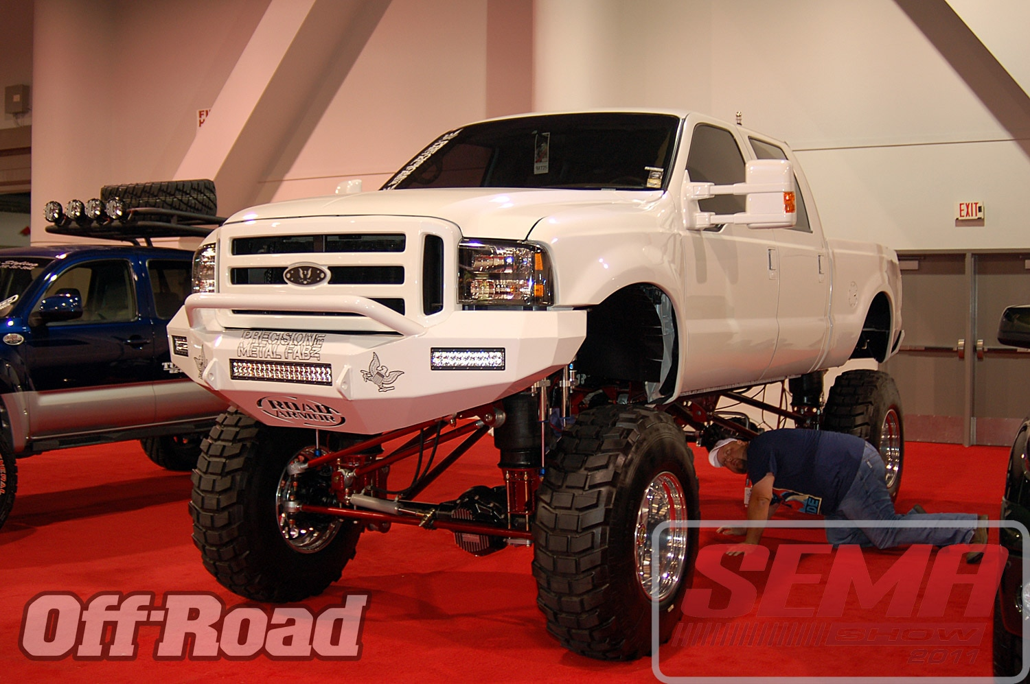102312or 0046+2011 sema show+off road trucks and products