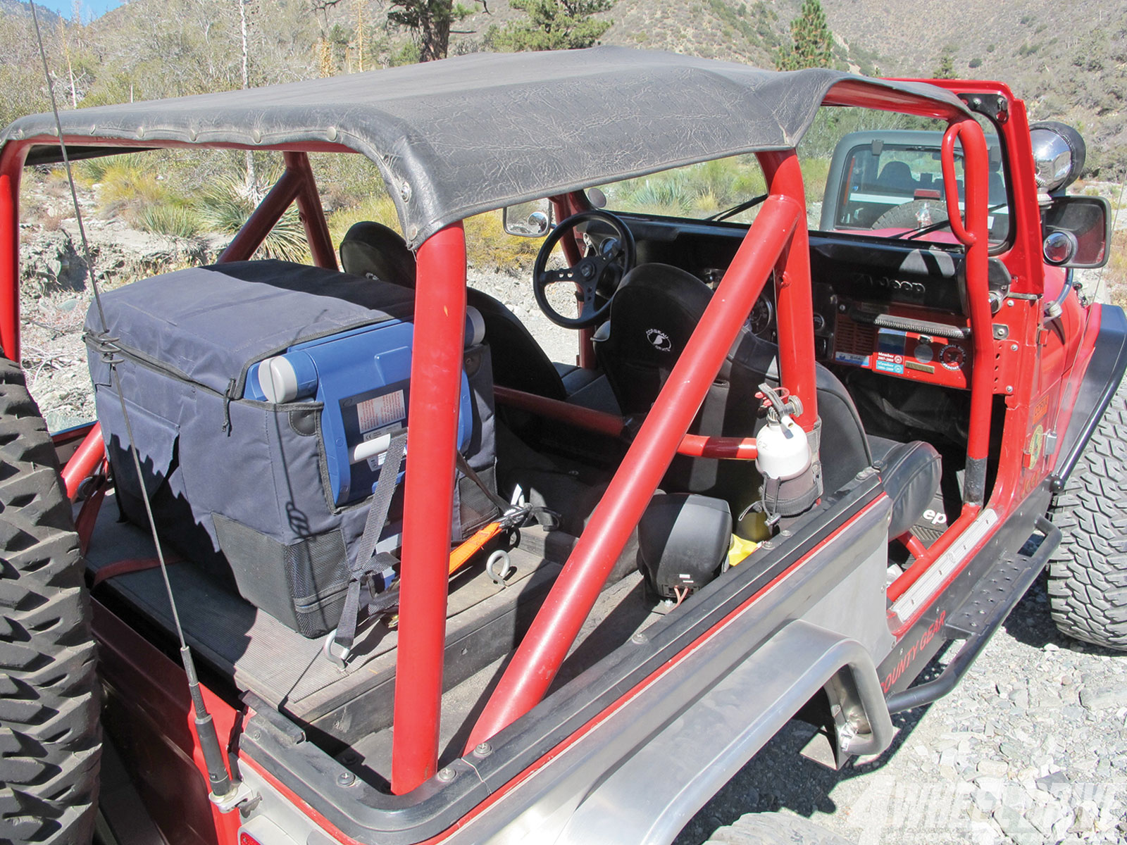 1306 4wd 04+1986 jeep cj 7+tri county gear rollcage