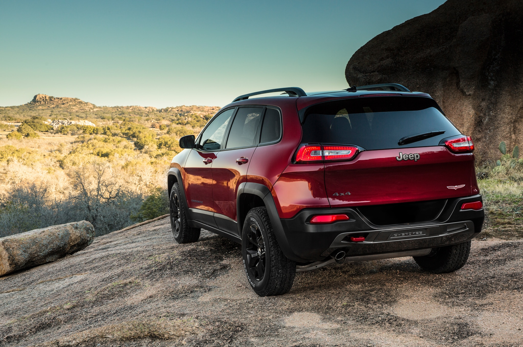 2014 Jeep Cherokee left rear 11