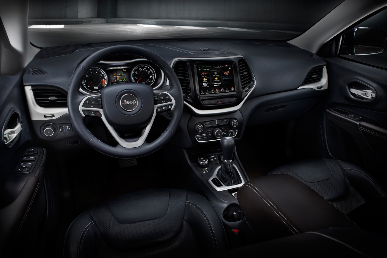 2014 Jeep Cherokee Trailhawk  2  interior
