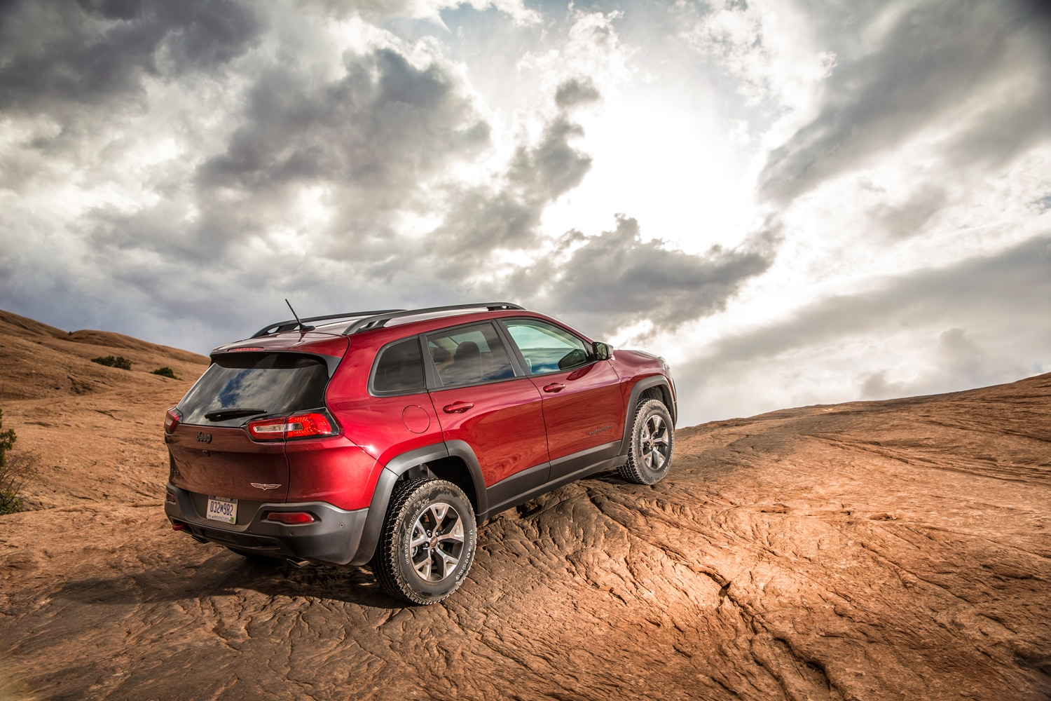2014 Jeep Cherokee Trailhawk  6  rear three quarter