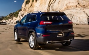 2014 Jeep Cherokee Limited rear three quarter 300x187