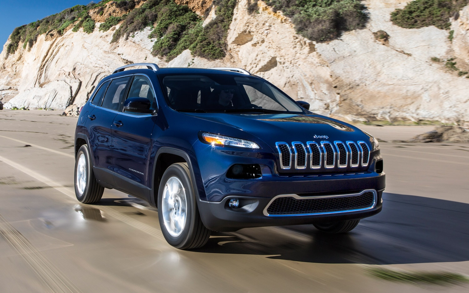 2014 Jeep Cherokee Limited front three quarter