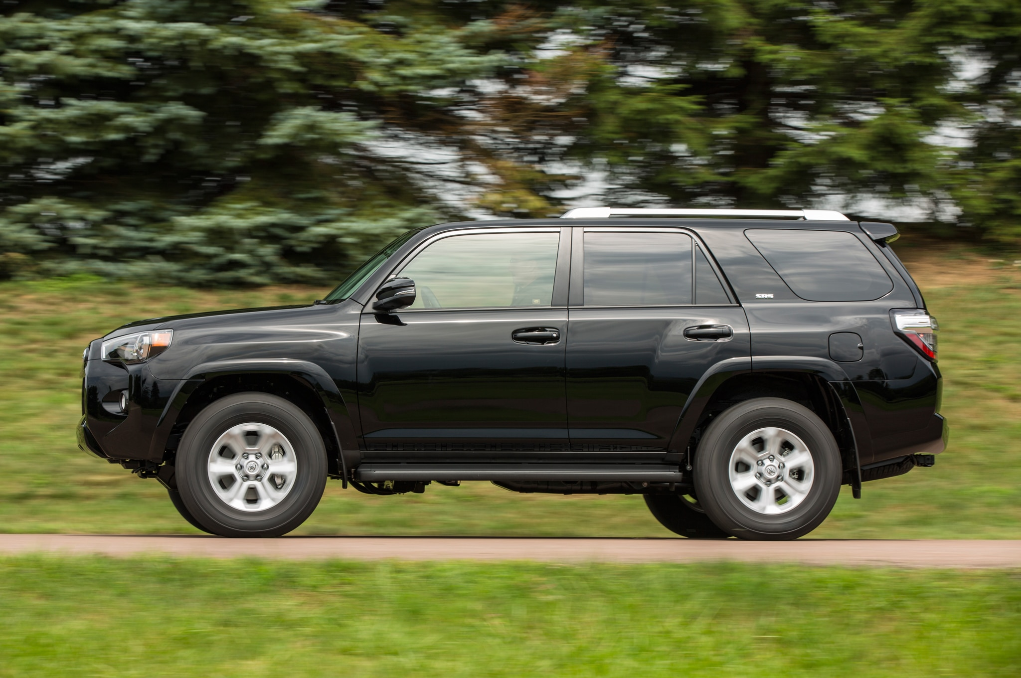 2014 Toyota 4runner SR5 side profile in motion
