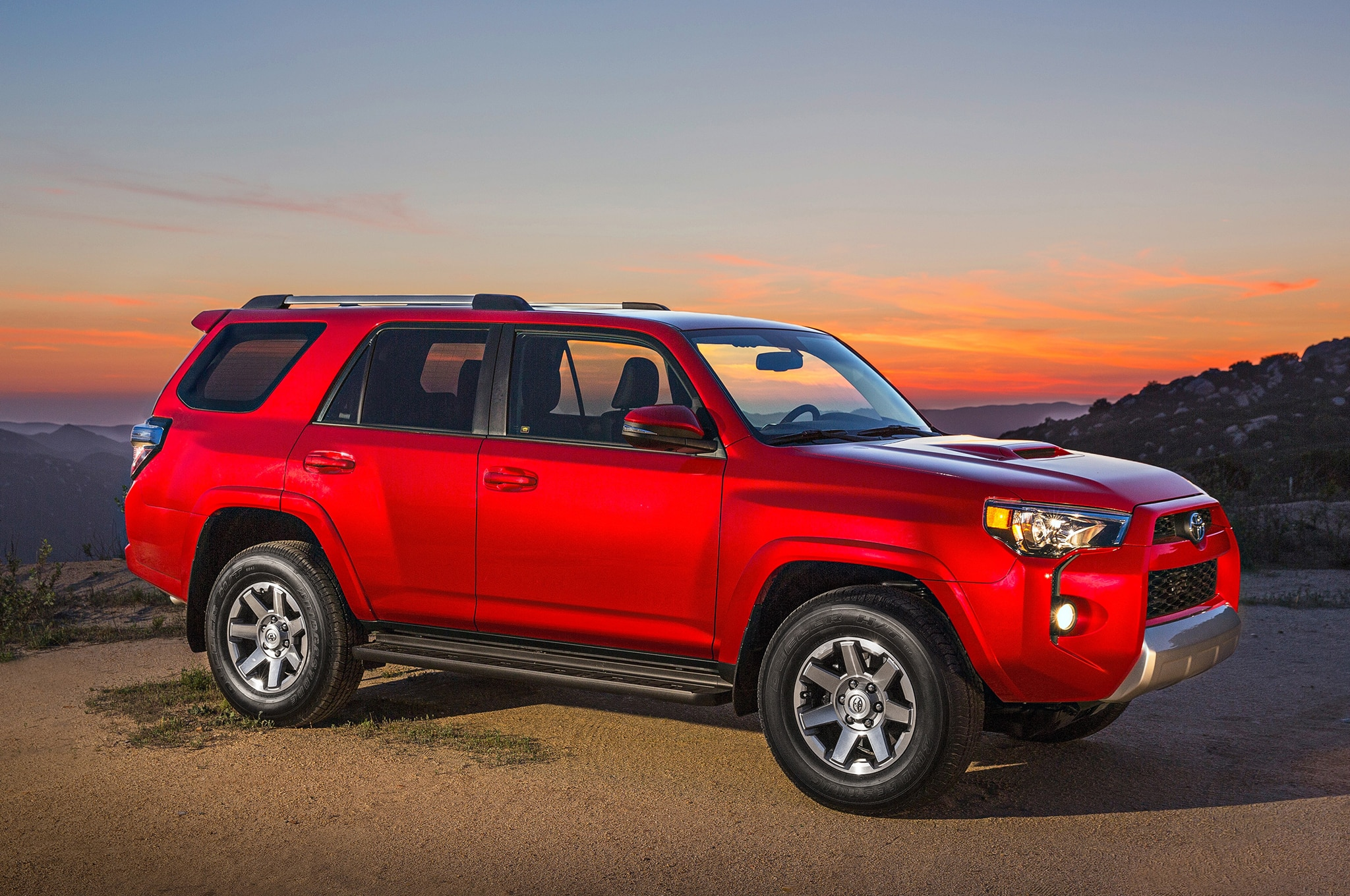 2014 Toyota 4runner Trail front view at sunset