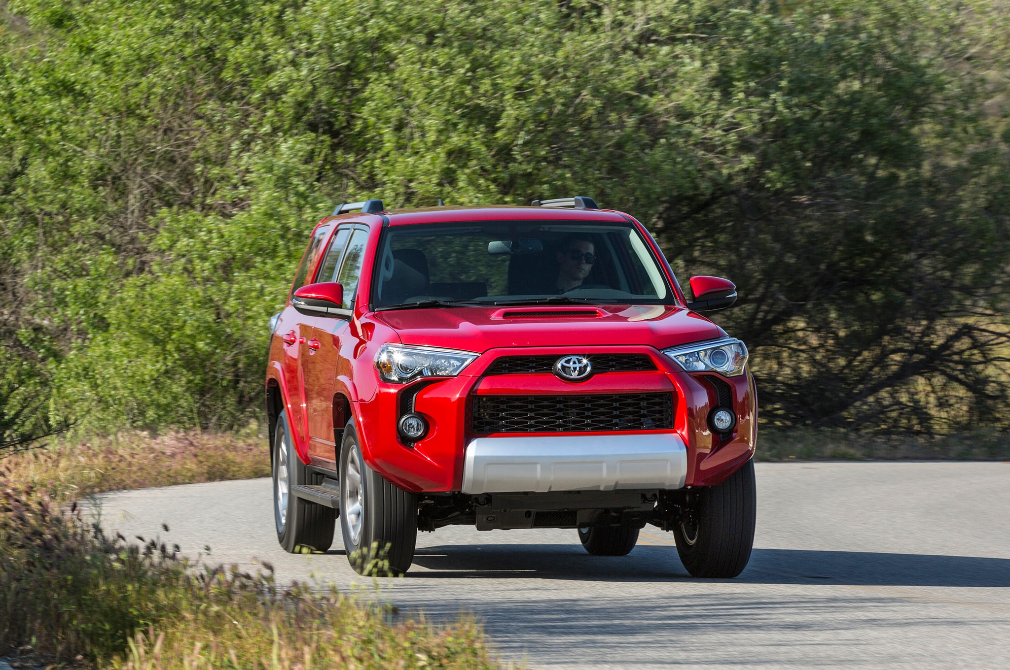 2014 Toyota 4runner Trail front view in motion 13