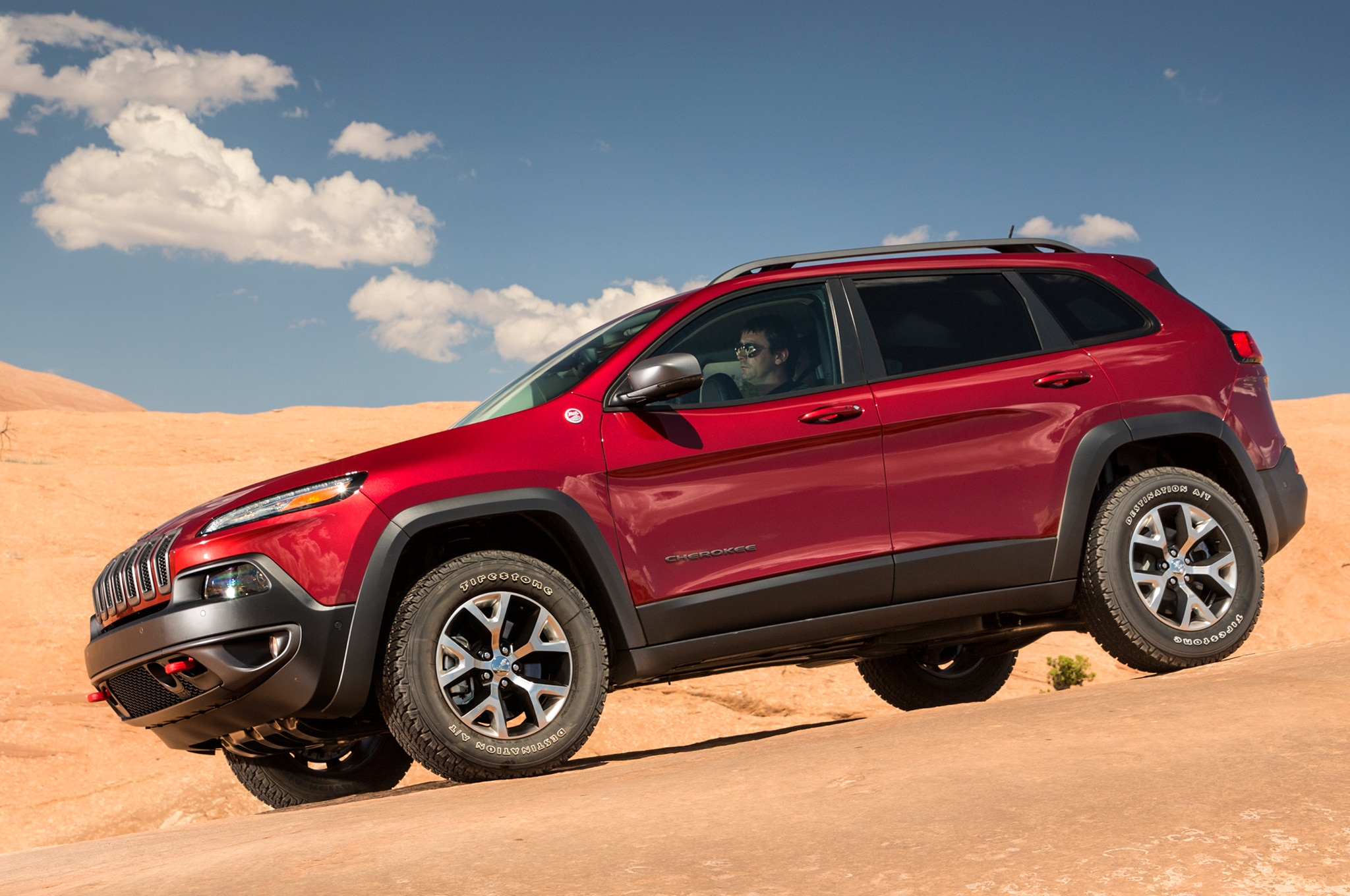 2014 Jeep Cherokee TrailHawk drivers side front view