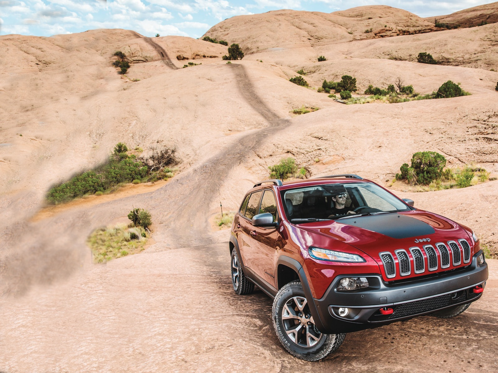2014 Jeep Cherokee Trailhawk  1  front three quarter