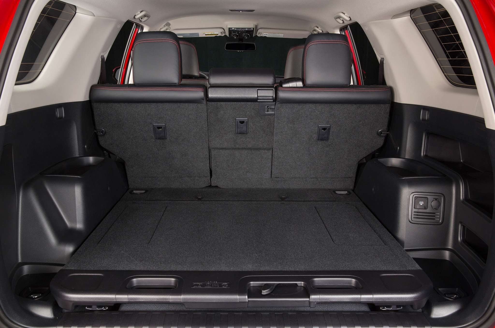 2014 Toyota 4runner Trail rear interior cargo space 02