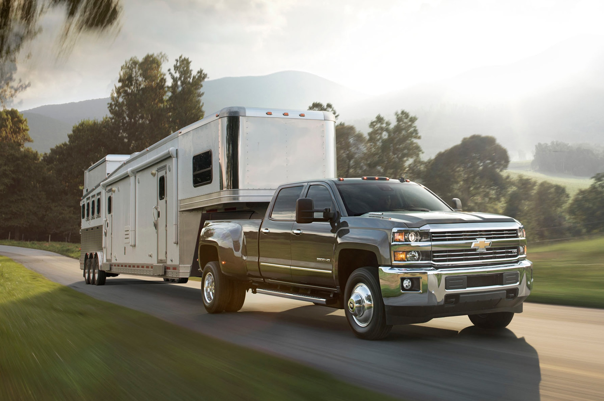 2015 Chevrolet Silverado 3500HD front view towing