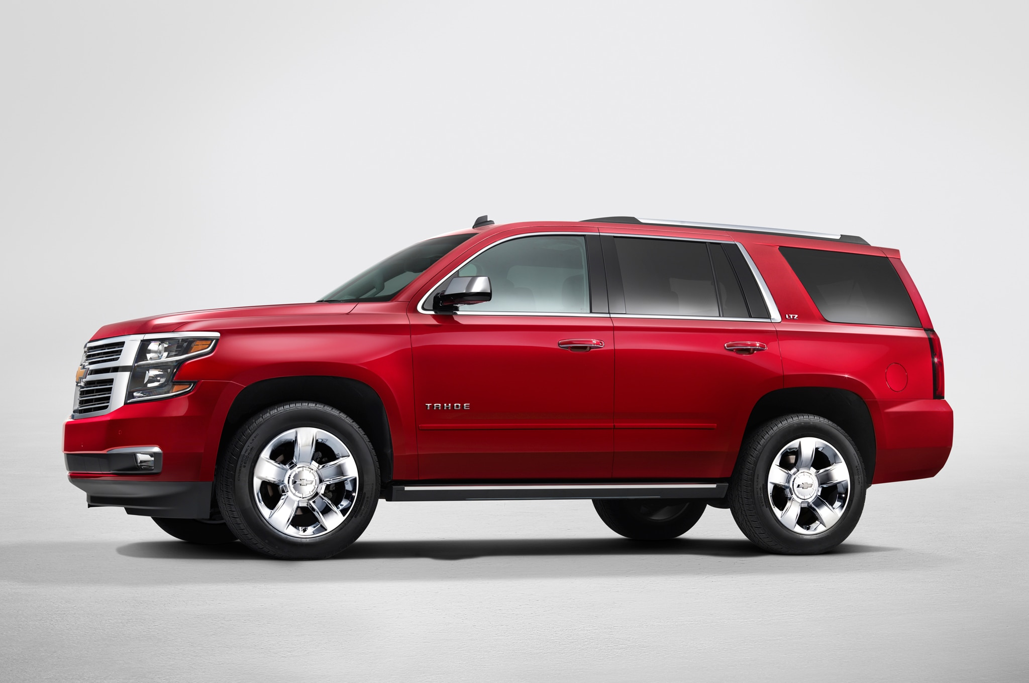 2015 Chevrolet Tahoe sideview NewYorkreveal 002