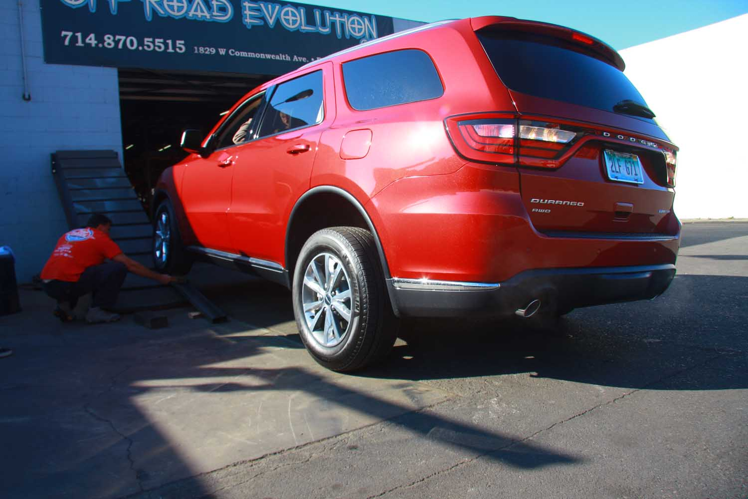 2014 Dodge Durango On 30 Degree RTI Ramp at Off Road Evolution