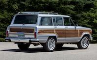 1989 Jeep Grand Wagoneer rear three quarter