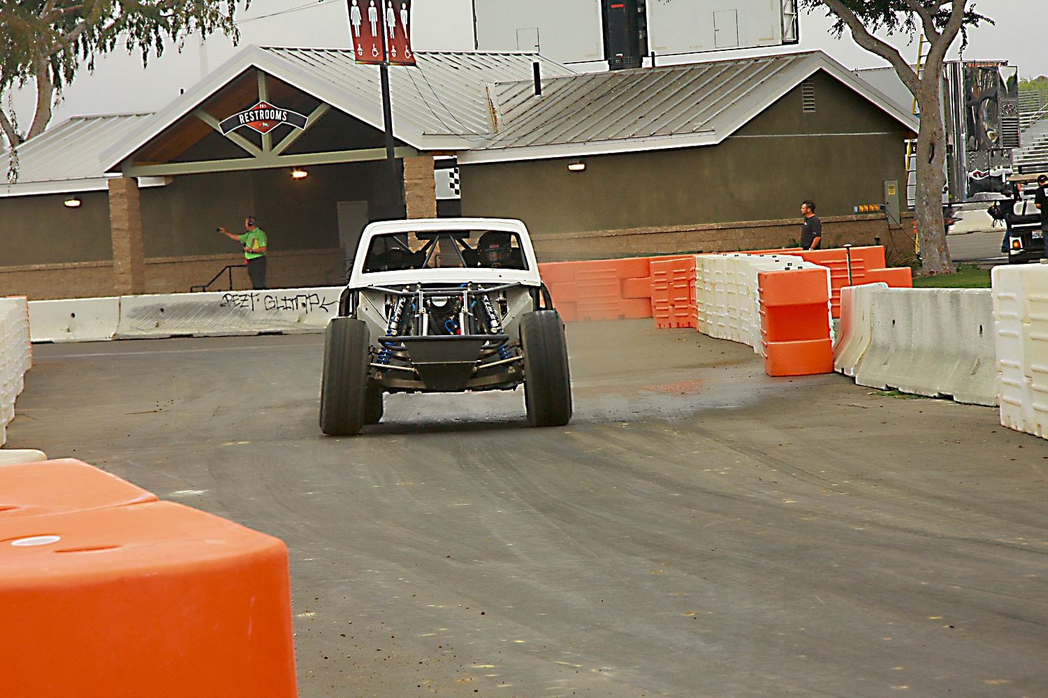 Off Road Race Truck   4  SST Truck front