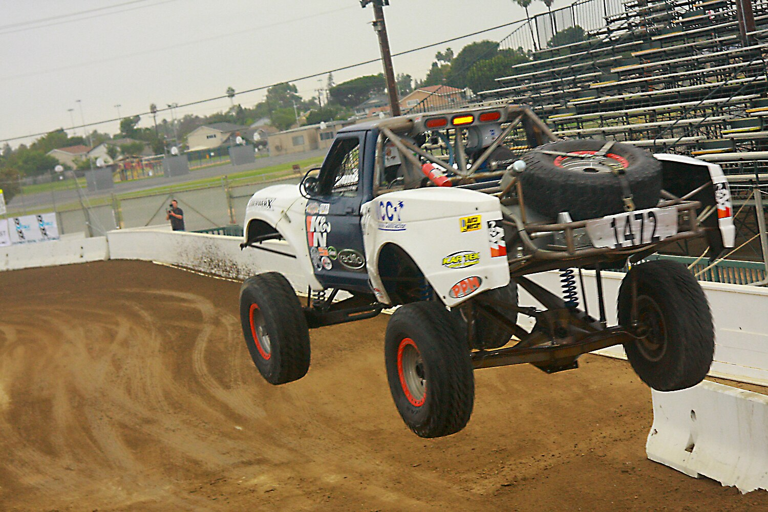 Off Road Race Truck   18  Ford Ranger Prerunner Jump