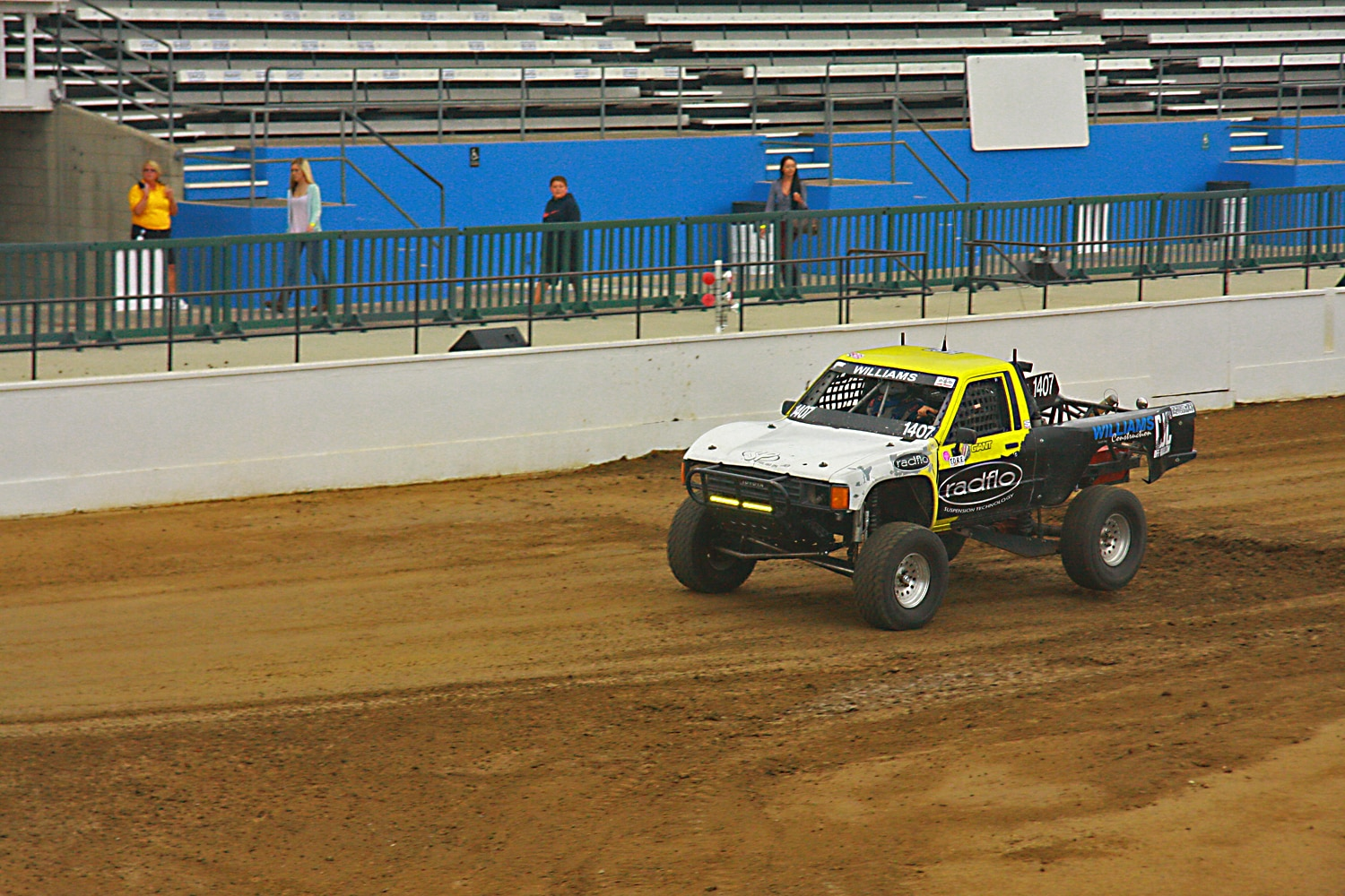 Off Road Race Truck   40  Toyota Prerunner racing