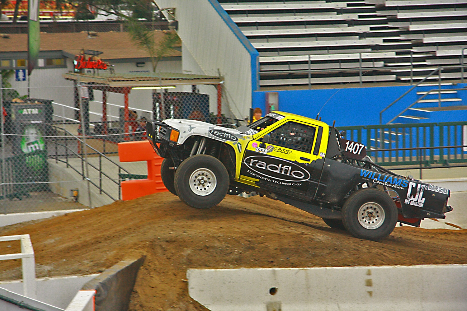 Off Road Race Truck   41  Toyota Prerunner Jump side