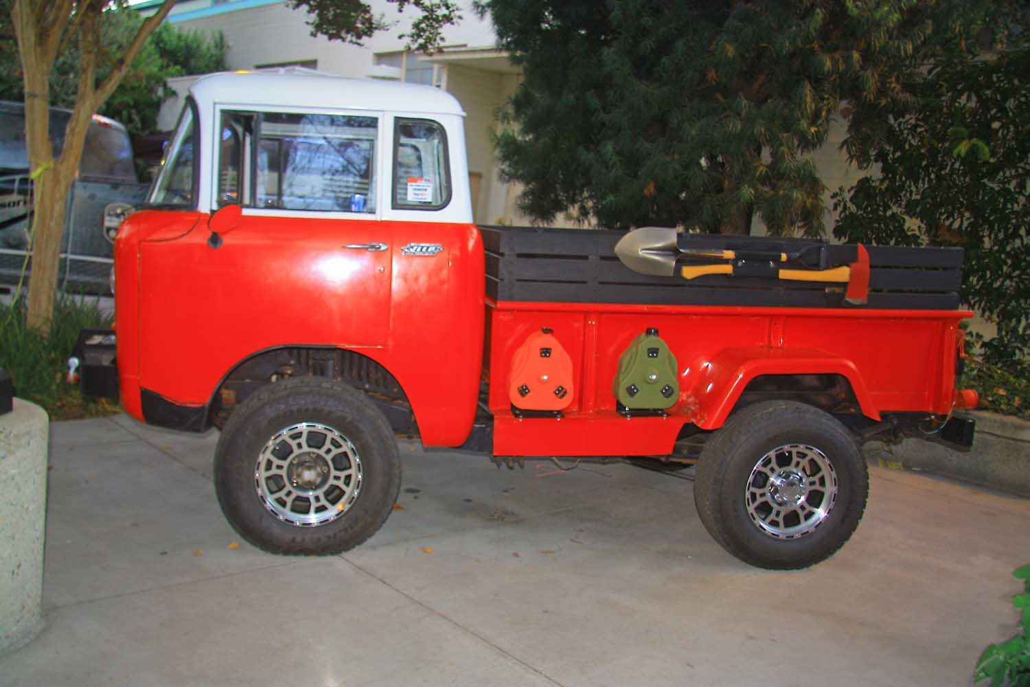 90  Jeep FC Forward Control
