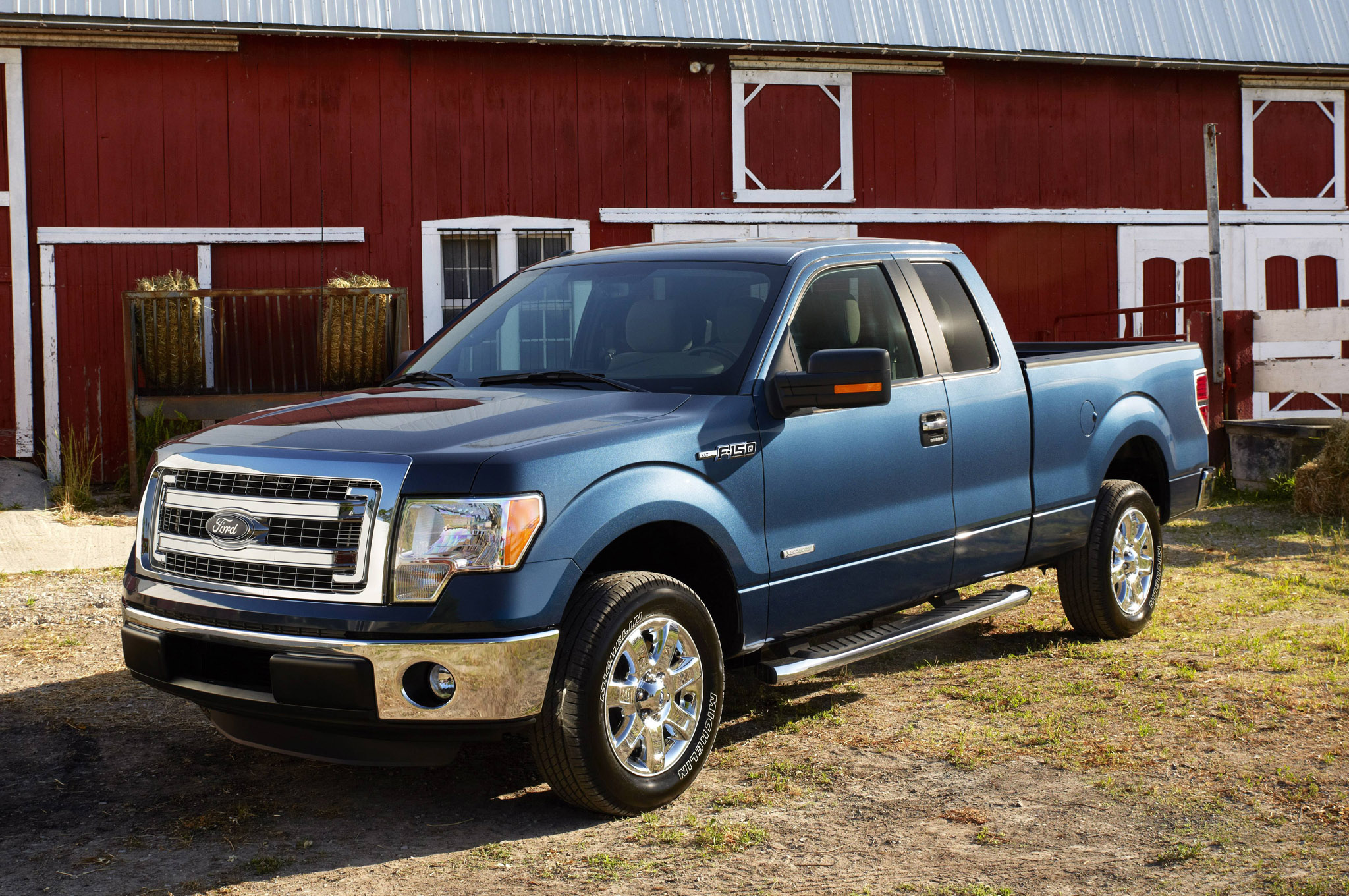 2014 ford f150 front three quarters