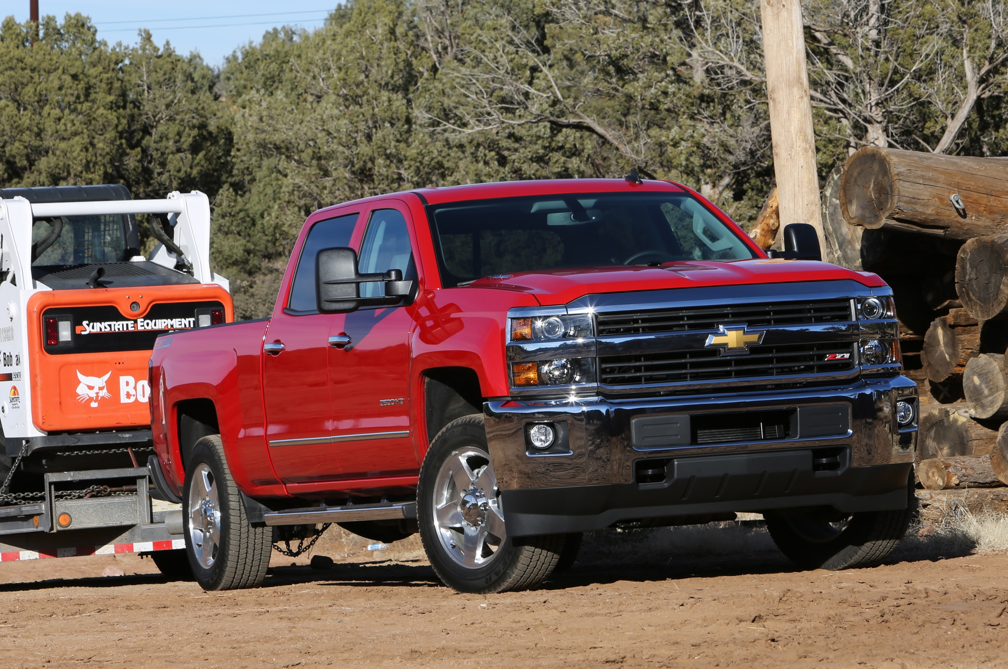 2015 Chevrolet Silverado 2500HD LTZ front three quarters view