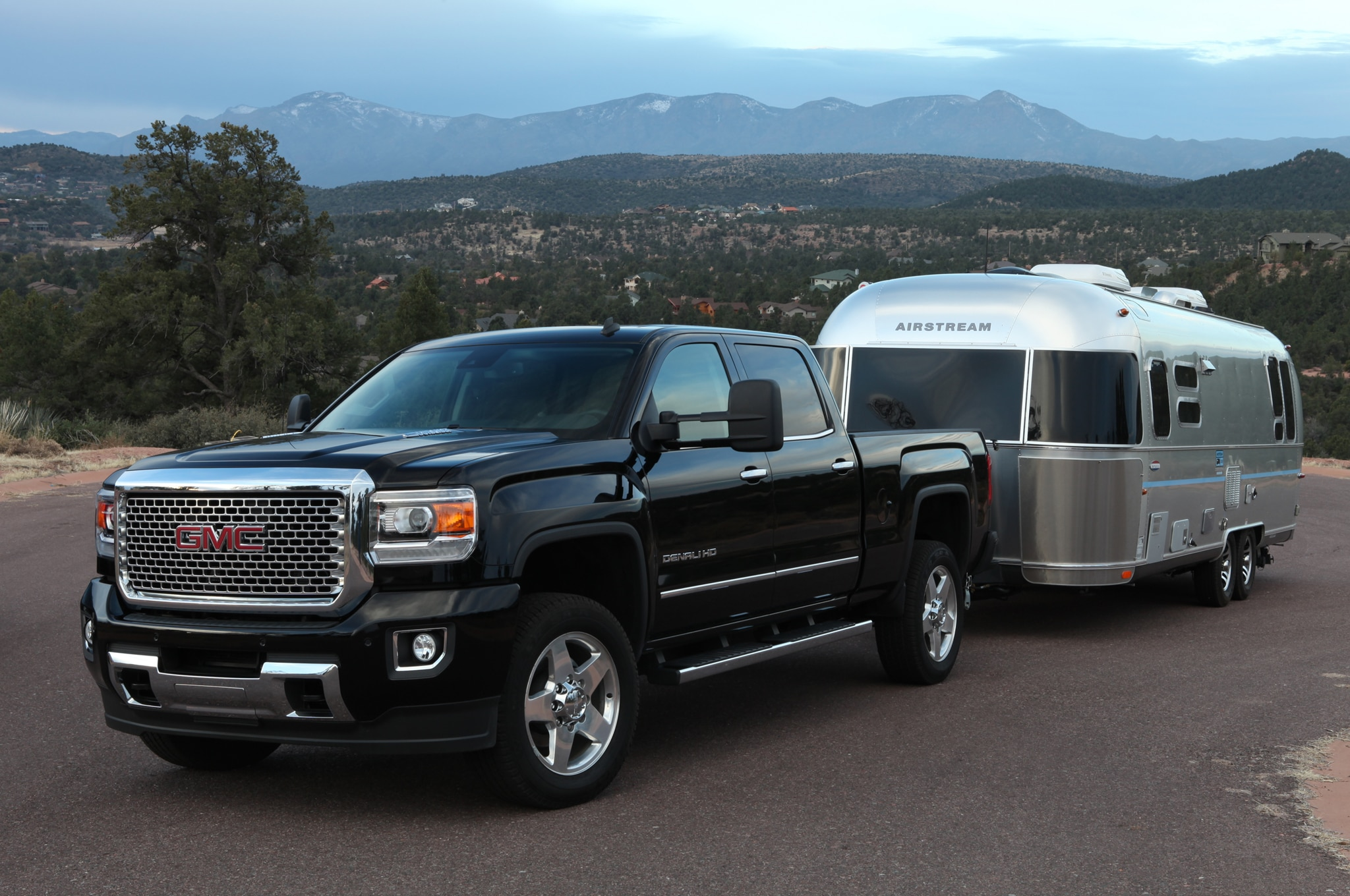 2015 GMC Sierra 2500HD Denali front view with trailer