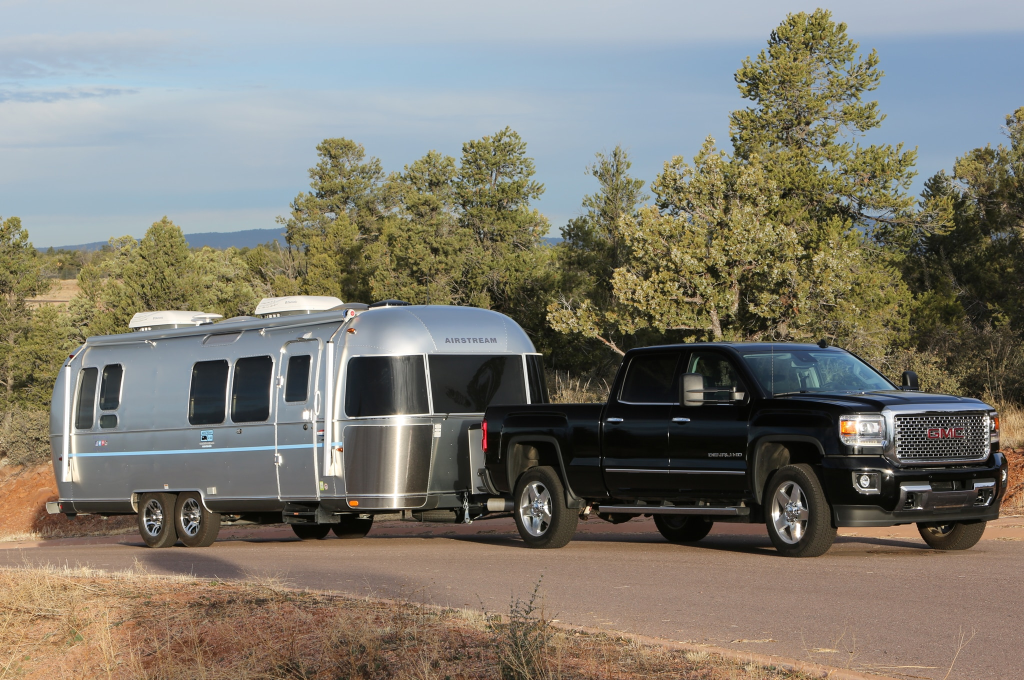 2015 GMC Sierra 2500HD Denali with camper