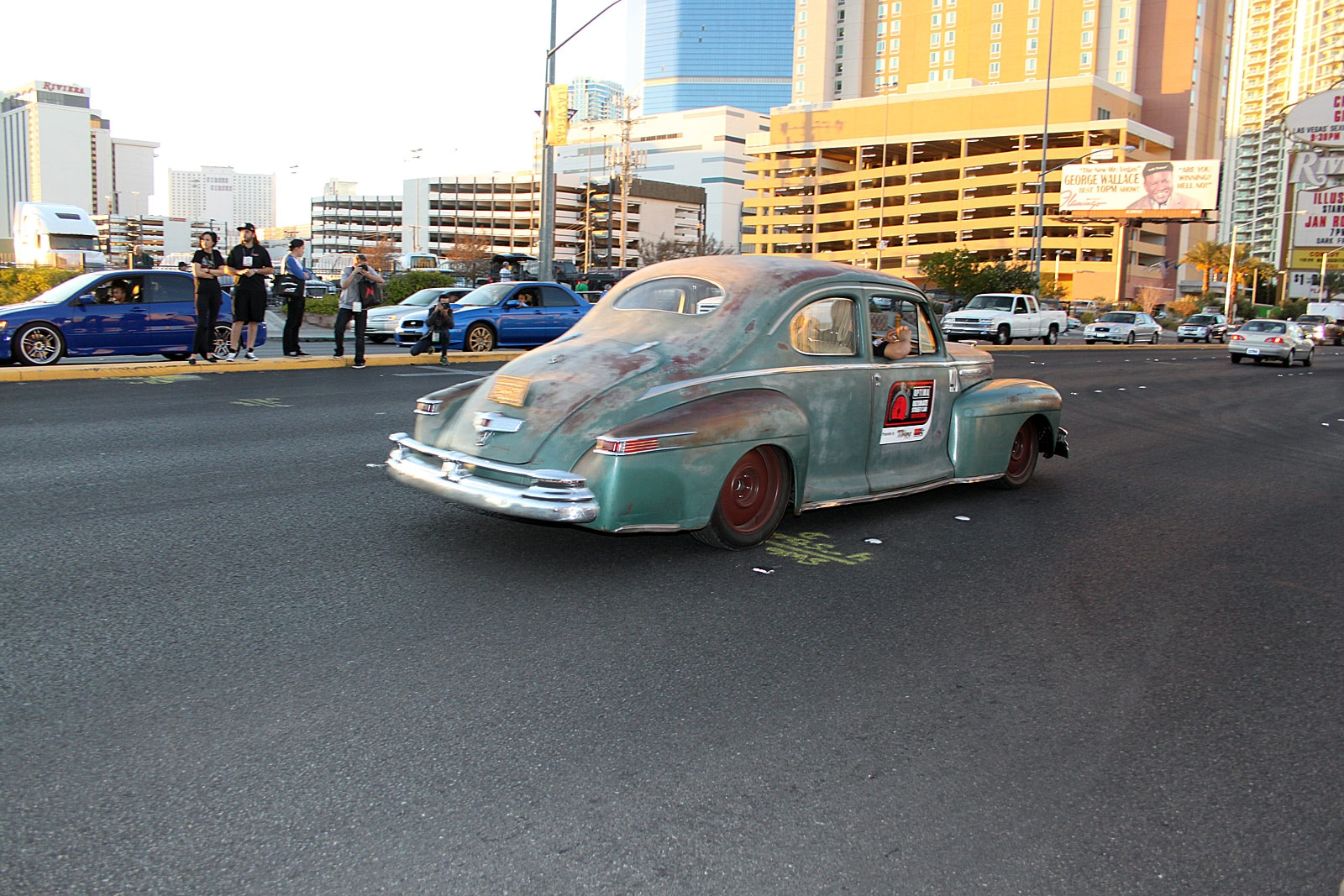 2013 sema cruise friday night 16