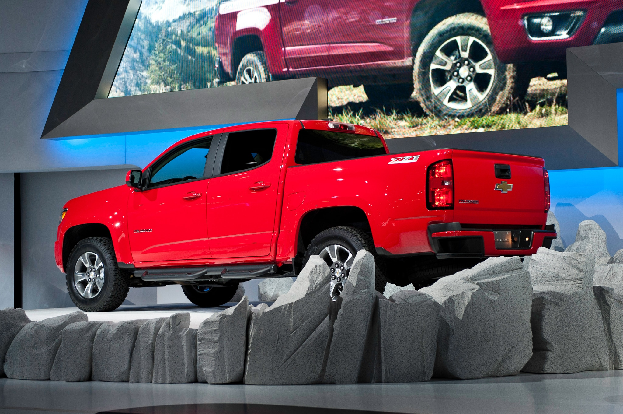 2015 Chevrolet Colorado rear 1