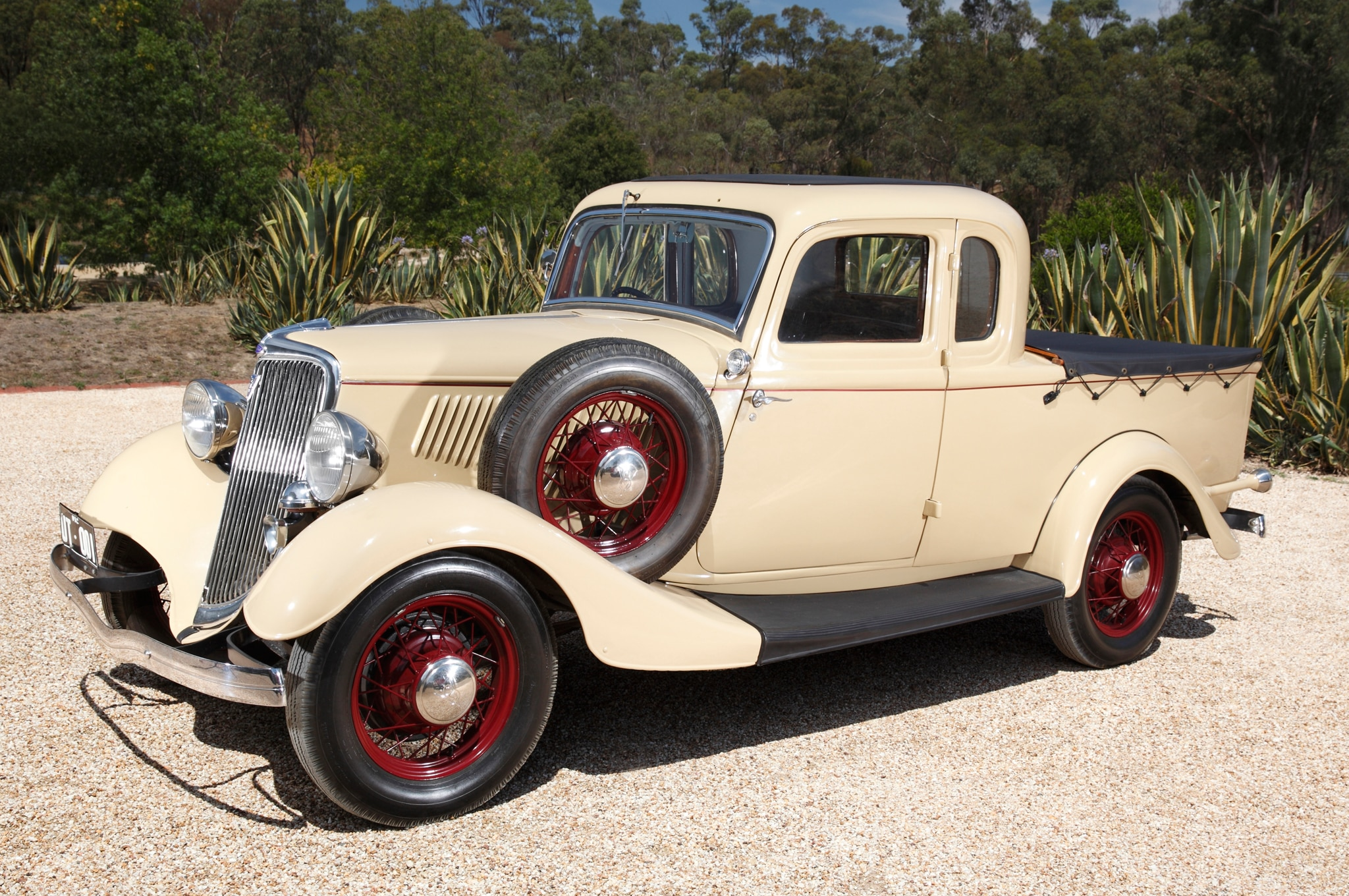 Restored Bandt ute front view